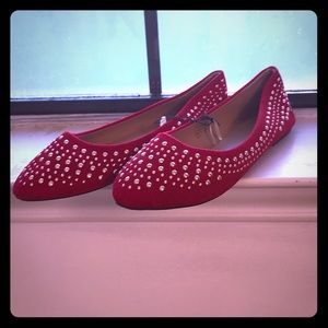 Shoes - 💄NWT Red w\ Gold bling Flats Sz 10💄